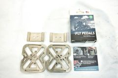 FLY PEDALS 「フライペダル」 UNIVERSAL Clipless Pedal ペダル